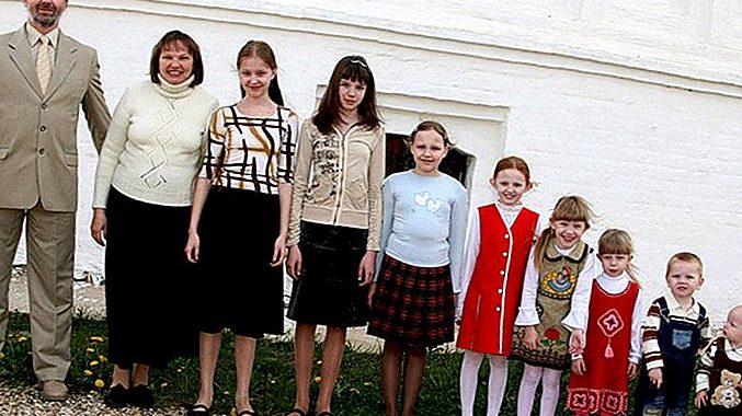 """Kokią """"šeimą"""" gina Kristupas Krivickas?"""