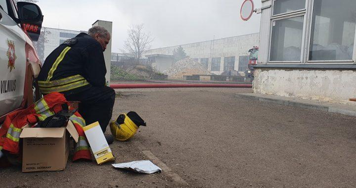 """""""Žmonės turi patys galėti"""" arba kas pasimatė išsisklaidžius gaisro dūmams Alytuje"""