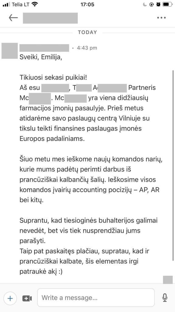 """""""Messenger"""" pokalbis, kuriame autorei siūlomas darbas farmacijos įmonės paslaugų centre Vilniuje, kuris perima darbus iš prancūziškai kalbančių šalių"""