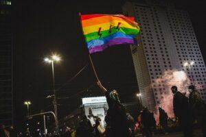 """""""Neprivalome maldauti savo teisių – galime ateiti ir jas pasiimti"""" : pokalbis su trans ir queer aktyvistais iš Lenkijos"""