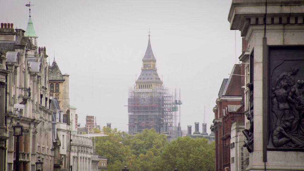 Vaizdas iš Londono: remontuojamas bokštas su laikrodžiu
